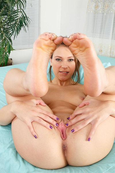 Callie needs cock, and a mouth on her feet. Any mole on her body sends her keen to ecstasy. Kurt is more than willing to do whatever it takes to make her spunk over and over. We have nearly at no time seen a hottie spunk more and require more on this site