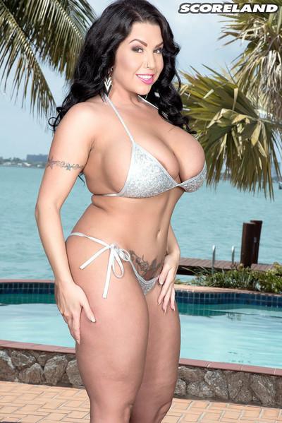 Sheridan love in bikini