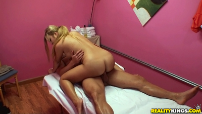 Perspired ass fairy-haired masseuse sucks and bonks her client