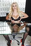 Stunning queen Gigi Allens does brutal things when she\'s alone at office