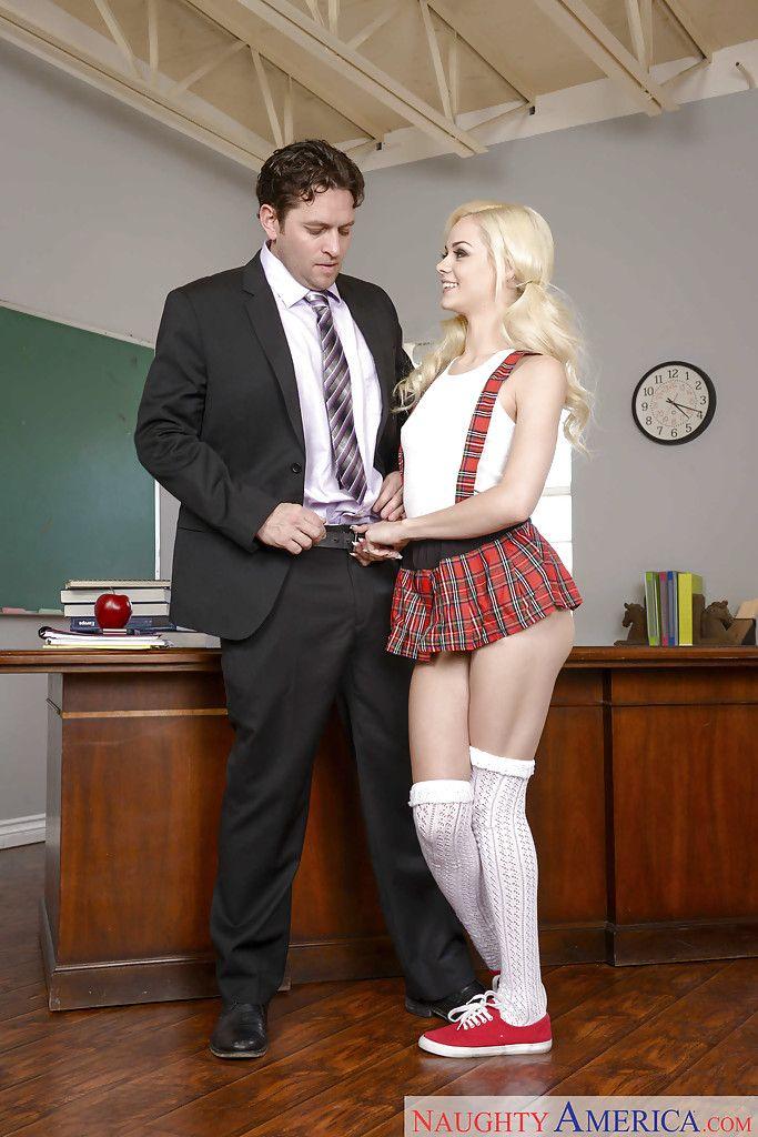 Real Lehrer Gefickt Klassenzimmer