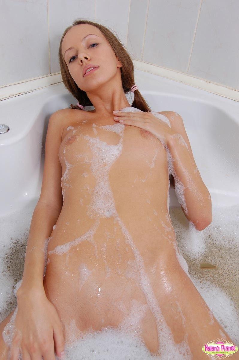 Nackte mädchen duschen