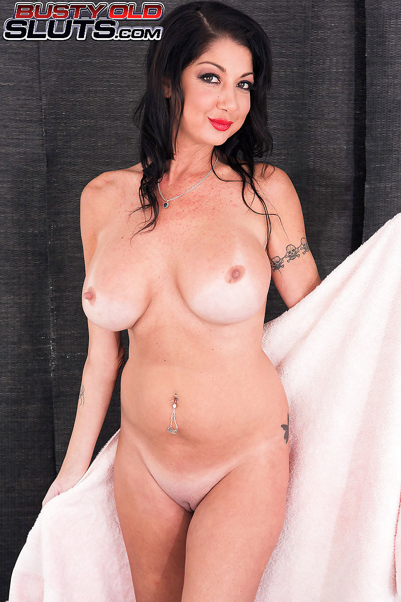 Nadia Styles Donna Dana Dearmond Porn nadia is taking a shower when the plumber shows up. he