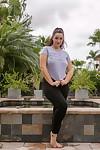 Amateur BBW Lexi Lloyd peels off black leggings on her way to standing naked