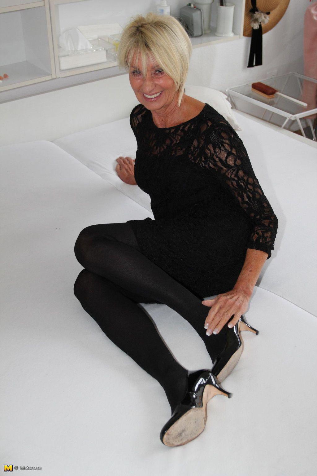 German housewife franziska acquires smoking bawdy at XXXSexPic