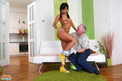 [Old Youthful Anal] Exactly after her car was fixed, Kim brings depart from the ancient man to th
