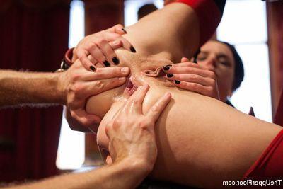 Submissive Lyla