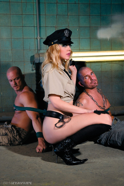 Sexual cop annette schwarz double drilled by prisoners