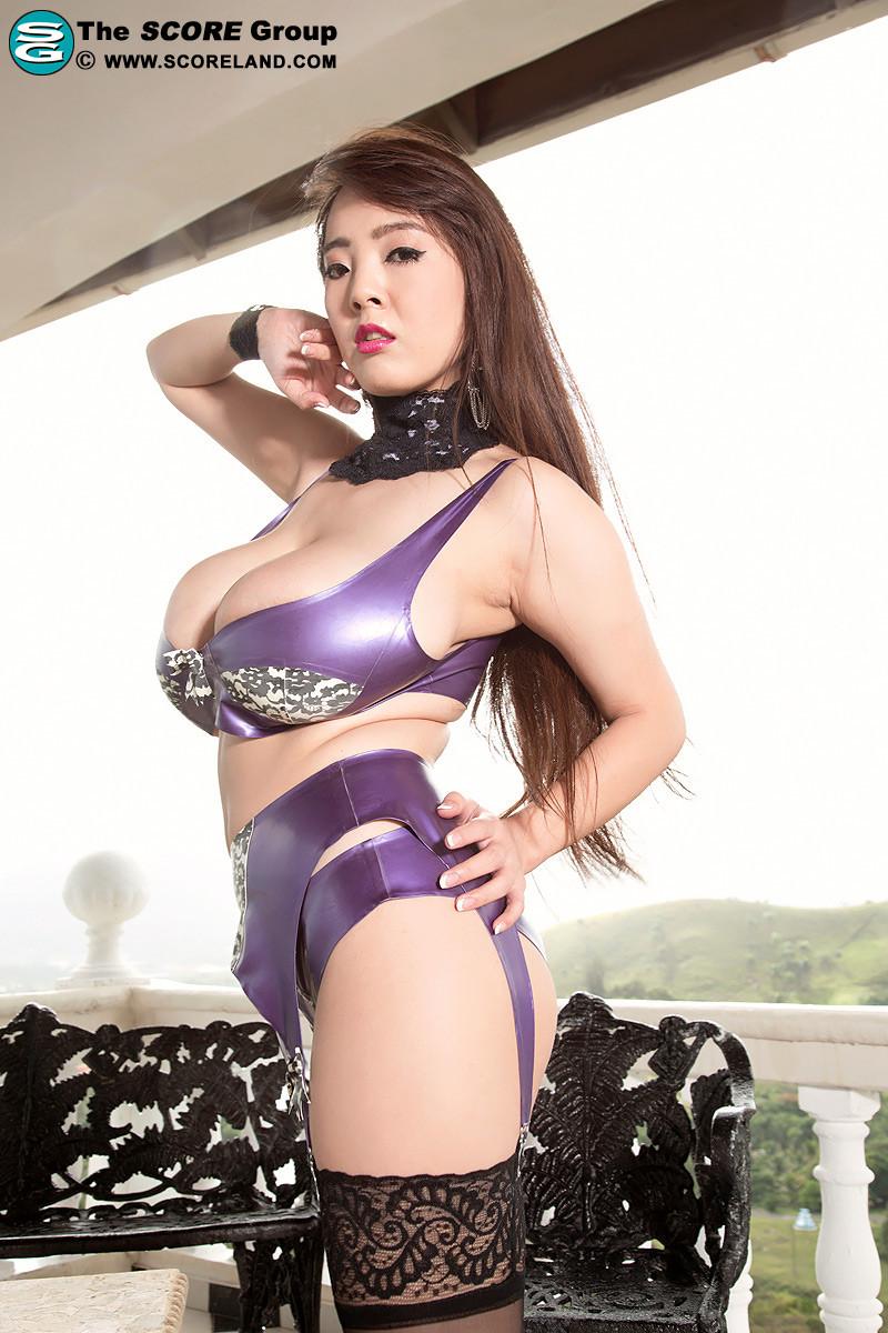 Japanese pornstar hitomi tanaka pictures