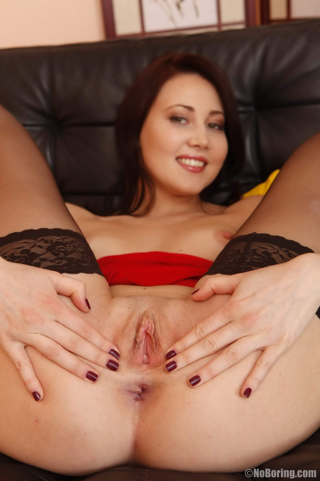 Enchanting queen in nylons anal owned