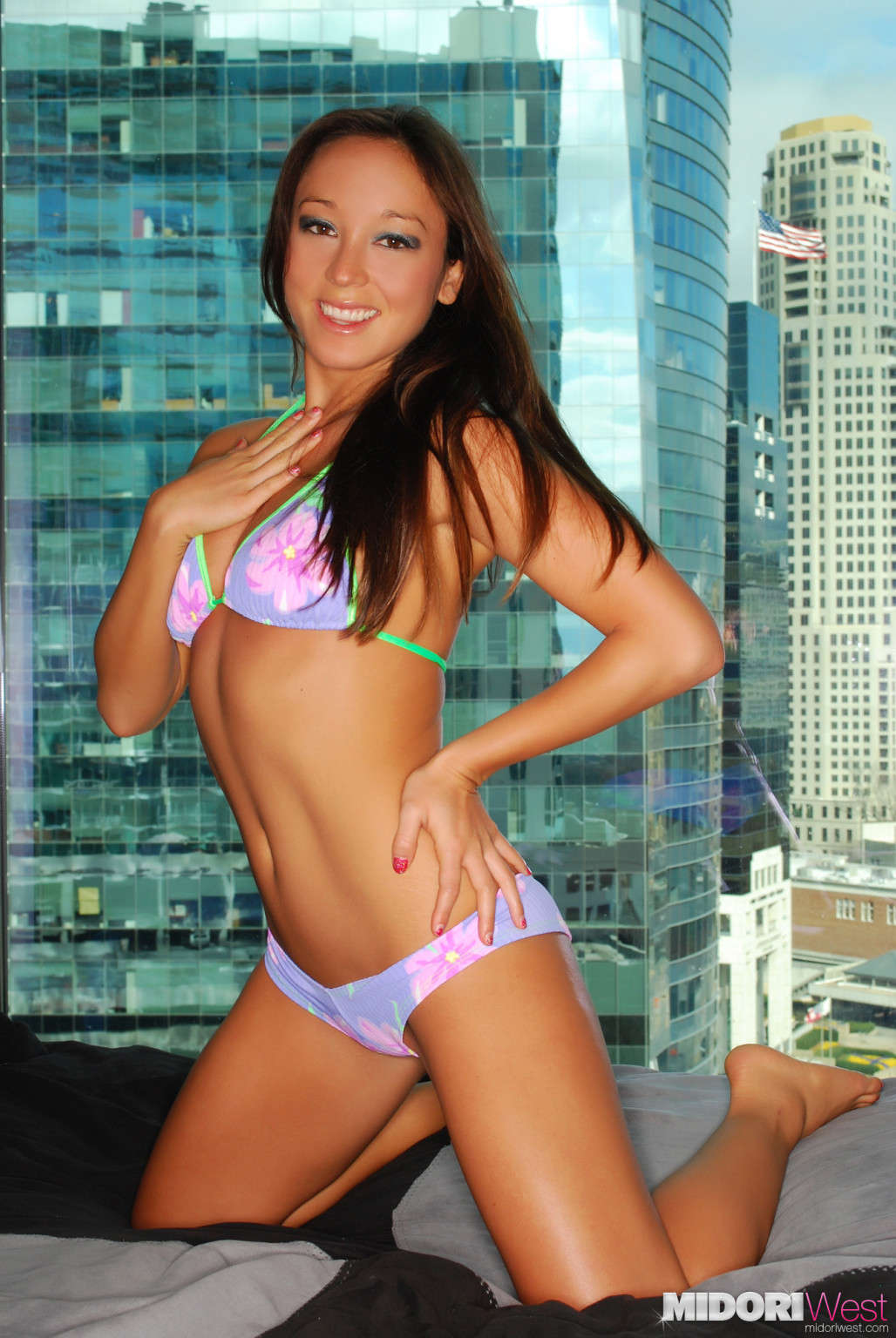 Midori west action  bikini erotic dancing by the window