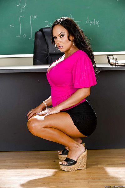 Hot latina schoolgirl in miniskirt Mariah Milano stripping in conglomeration