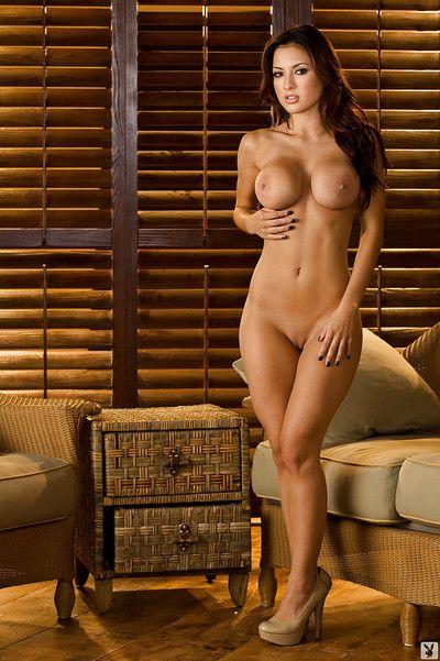 Good-looking Irish English colleen Talia Kristin detection their way voluptuous curves