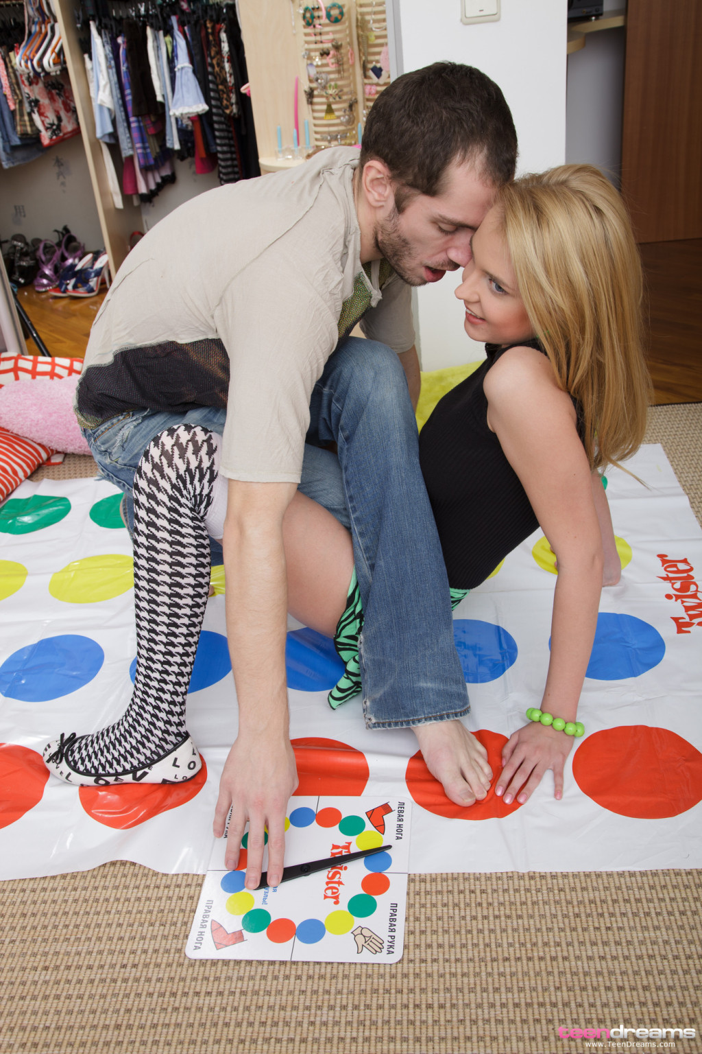 Youthful accepts ache playing twister and ends being penetrated