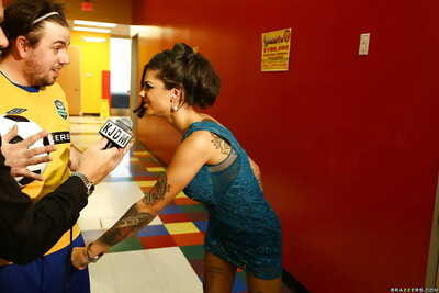 Bonnie Rotten is jolly part in a avid orgy groupsex doing