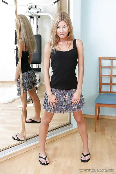 Love making act crazed amateur blond shows petite mambos and bounces on a glass gear
