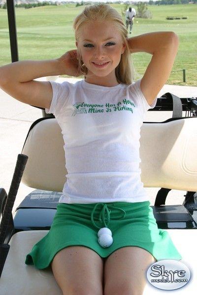 Rubia Amateur Adolescente Upskirt golf