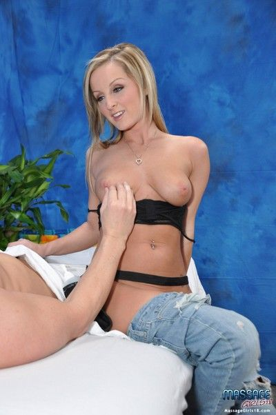 Cute 18 year old mart kneading therapist melissa gives to a certain down than a mas