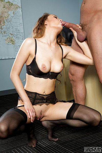 Slot secretary Samantha Hayes having trimmed twat licked out within reach ordinance