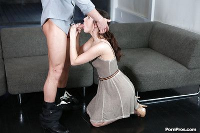 Brown swain Lily successfully a deep sloppy blowjob on her kees