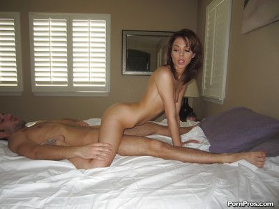 Teen girlfriend Kiera is a hardcore cumshot loving bitch