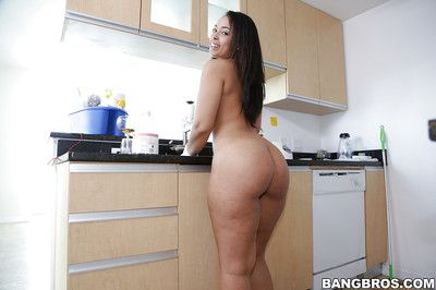 Latina housewife Ava Sanchez pulls in the matter of her pants to aerate her big booty